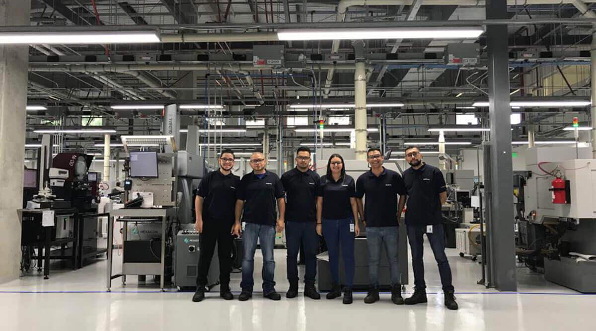 Medtronic contrata a mecánicos de precisión en feria de empleo 2018